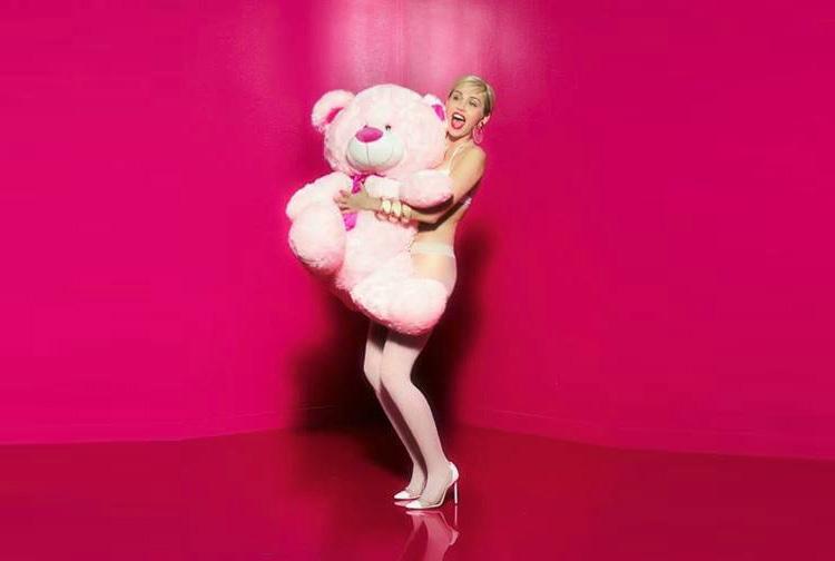 Miley Cyrus per Golden Lady