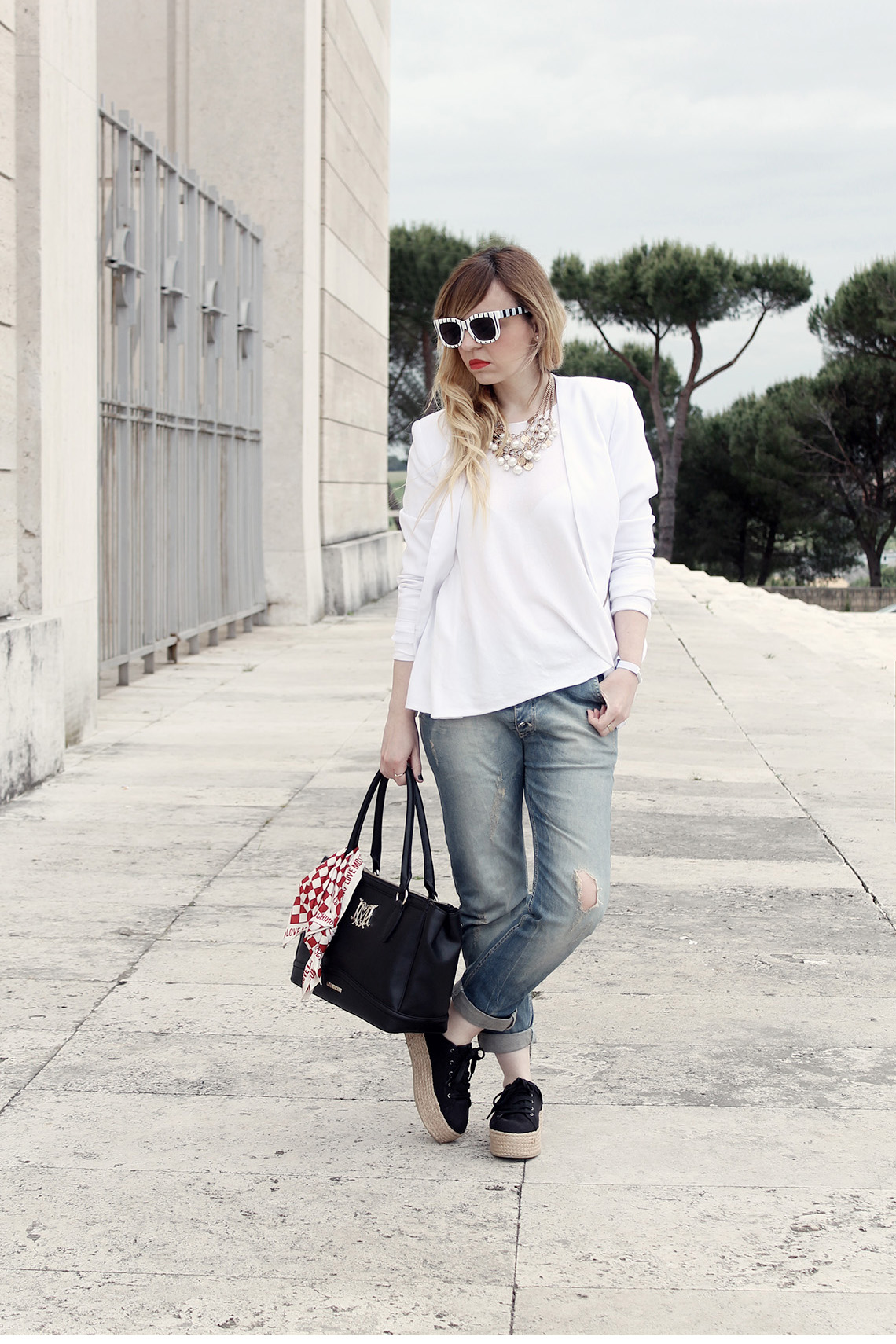 look bianco casual dressing and toppings