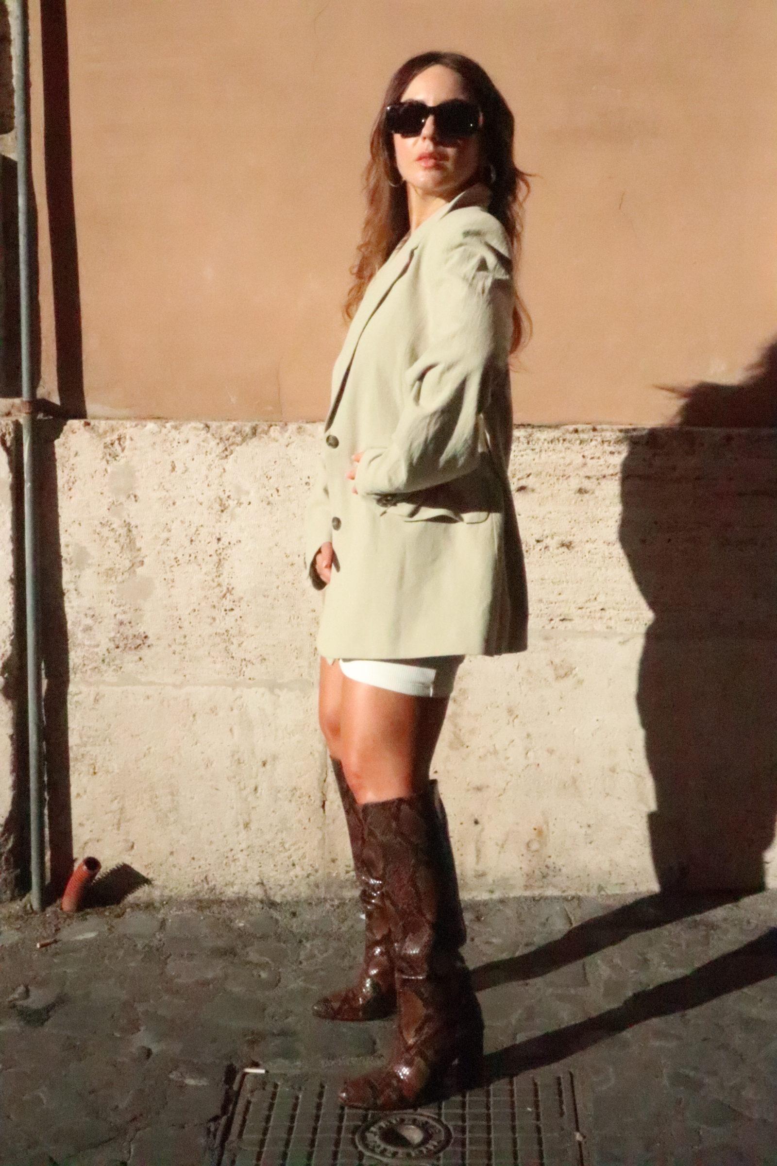 come indossare i vestiti estivi in autunno outfit di transizione